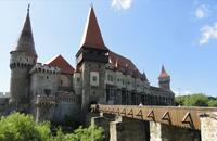 Castillo de los Corvini, fortaleza de Huneduara