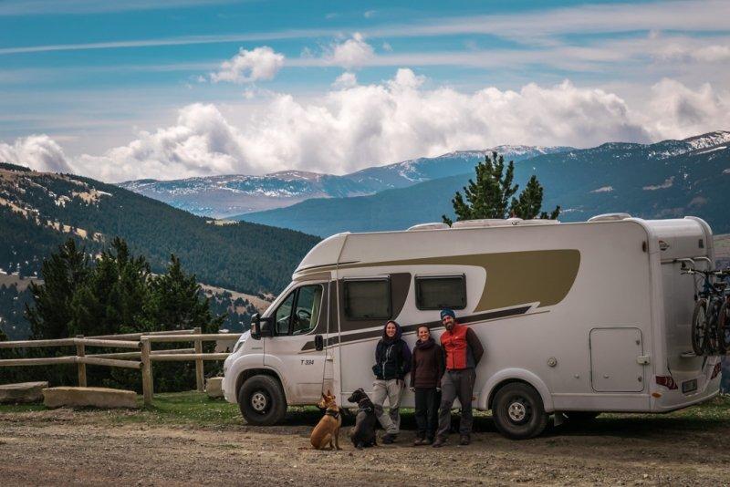 Buena Ruta (De Buena Mano) - Geodogs On Road